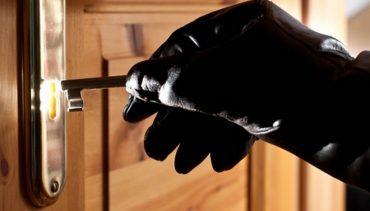 Крадій виніс з магазину товару на майже десять тисяч гривень