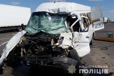 На перехресті Біла-Чистилів, біля Тернополя, сталася велика аварія