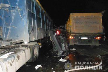 На Тернопільщині не розминулися дві вантажівки та Audi