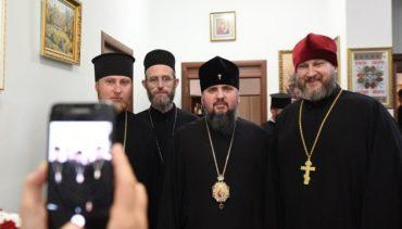 За рік до ПЦУ приєдналися 7 тисяч парафій і 77 монастирів