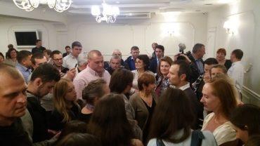 На прес-конференцію Святослава Вакарчука у Тернополі прийшов лише один журналіст