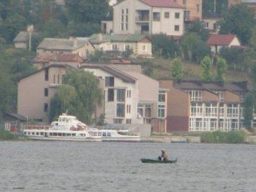 Злодії, які вкрали землю і побудувались на березі тернопільського озера, платитимуть штрафи
