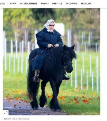 93-річна королева Великобританії знову проїхалась верхи