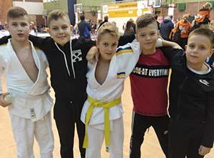 Тернопільські дзюдоїсти здобули на міжнародному юнацькому турнірі у Польщі дві золотих і дві срібних нагороди