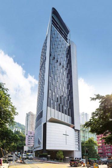 У Гонконзі збудували церкву, яка займає 21 поверх: тернопільським заробітчанам в рясах таке навіть і не снилось
