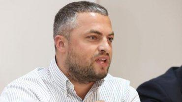 """""""Слугу народу"""" Андрія Богданця у Раді побили свободівці – той у лікарні"""