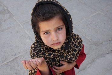 У Кременці засуджено матір, що змушувала жебракувати малолітню доньку