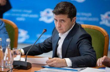 Все більше українців негативно оцінюють діяльність Президента Зеленського