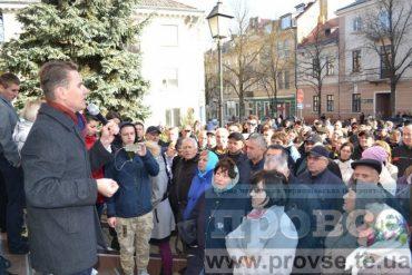Надалівську руїну та свободівську безнадію в Тернополі подолають молоді люди на зразок Олега Синовця