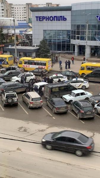 На Тернопільщині повідомлено про підозру в отриманні 1000 доларів США неправомірної вигоди експосадовцю Держгеокадастру