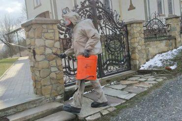 У Монастириському районі в селах Швейків та Ковалівка рятувальники провели дезінфікування двох церков та місцевий продуктовий магазин