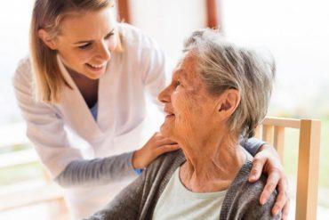 Одинокі пенсіонери можуть отримати допомогу в Тернополі