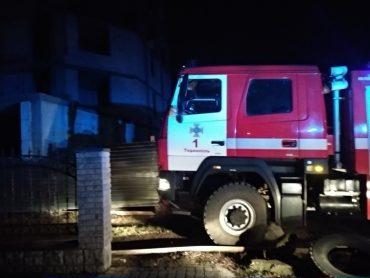 У Тернополі ледь не згоріло незаконне будівництво квартир СБУ
