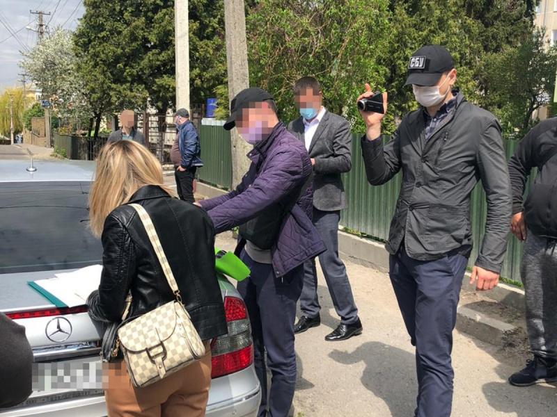 У Тернополі СБУ викрила на хабарі посадовця Держгеокадастру - Про ...