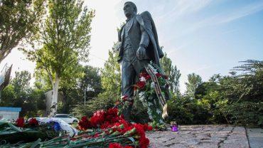 У Тернополі розпочався збір підписів за встановлення пам'ятника Сергію Надалу