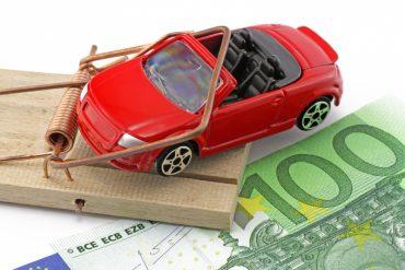Фейкові призи і махінації з грошима: краяни «виграють» автівки