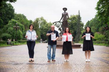 В Україні знищують єдиний національний телеканал, який не належить олігархам
