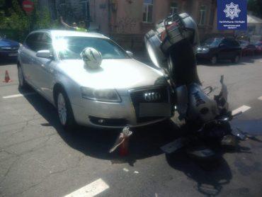 Сьогодні у Тернополі водій автомобіля Audi не пропустив мотоцикл Honda