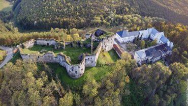 Могутність та велич Язловецького замку