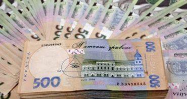 У 82-річної тернополянки шахрайка вкрала 100 тисяч гривень